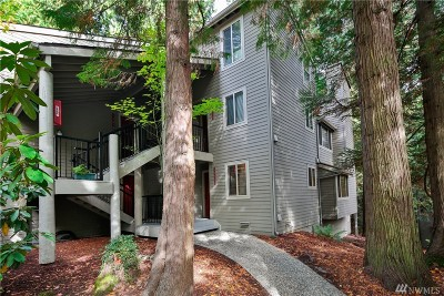 Redmond Condo/Townhouse For Sale: 14622 NE 80th Place #35B