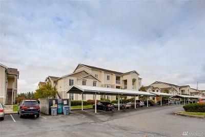 Puyallup Condo/Townhouse For Sale: 10011 186th St E #240