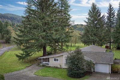 Enumclaw Single Family Home For Sale: 31805 SE Lake Walker Rd