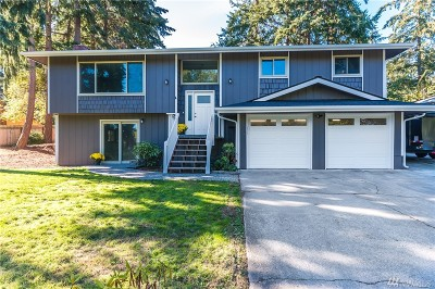 Oak Harbor Single Family Home For Sale: 2439 Olympic Dr