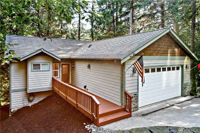 Bellingham Single Family Home For Sale: 65 Harbor View Dr