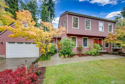 Bainbridge Island Single Family Home For Sale: 490 Kaleetan Place NE