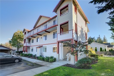 Lynnwood Condo/Townhouse For Sale: 14821 29th Ave W # K302