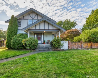 Bellingham Single Family Home For Sale: 2717 Cornwall Ave