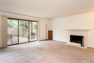 Renton Condo/Townhouse For Sale: 1511 Eagle Ridge Dr S #F6