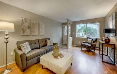 Edmonds Condo/Townhouse For Sale: 7905 218th St SW #D