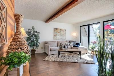 Redmond Condo/Townhouse For Sale: 8845 166th Ave NE #B303