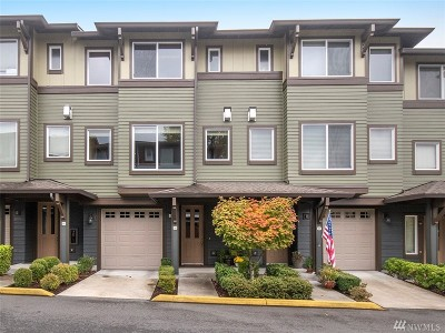 Bothell Condo/Townhouse For Sale: 2115 201st Place SE #M3