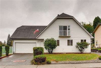 Renton Single Family Home For Sale: 1912 Lake Youngs Wy SE