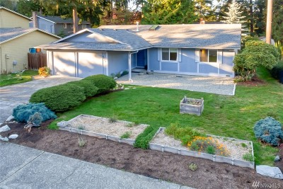 Mountlake Terrace Single Family Home For Sale: 4409 231st Place SW