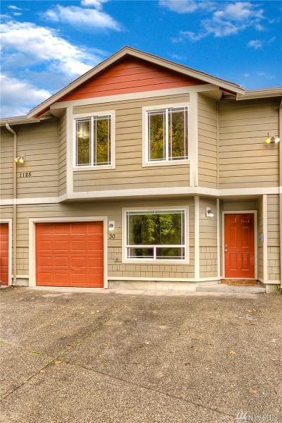Tacoma Condo/Townhouse For Sale: 1125 110th St E #30