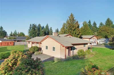 Puyallup Single Family Home For Sale: 9811 Woodland Ave E