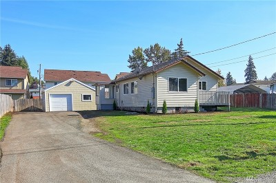 Tacoma Single Family Home For Sale: 10807 Broadway Ave S