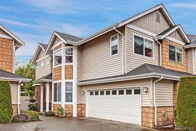 Issaquah Condo/Townhouse For Sale: 205 Newport Wy NW #C1