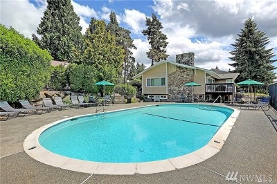 Kirkland Condo/Townhouse For Sale: 12406 NE 130th Ct #J205