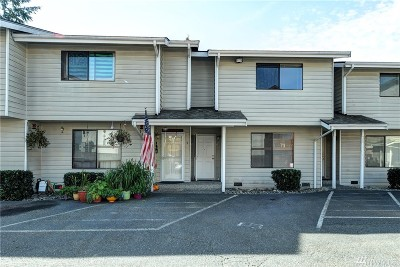 Everett Condo/Townhouse For Sale: 7810 Timber Hill Dr #D