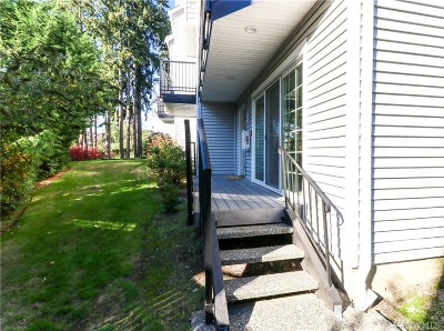 Everett Condo/Townhouse For Sale: 11706 Admiralty Wy #A