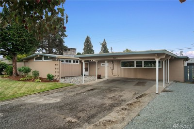 Skagit County Single Family Home For Sale: 2221 W Parkway Dr