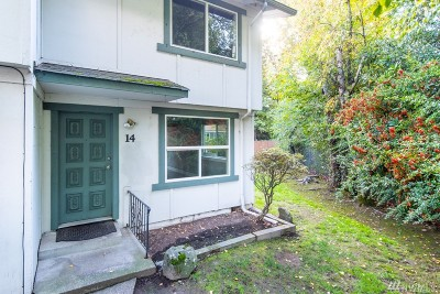 Puyallup Condo/Townhouse For Sale: 1016 9th St SE #14