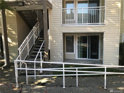 Snohomish County Condo/Townhouse For Sale: 12303 Harbour Pointe Blvd #U-103
