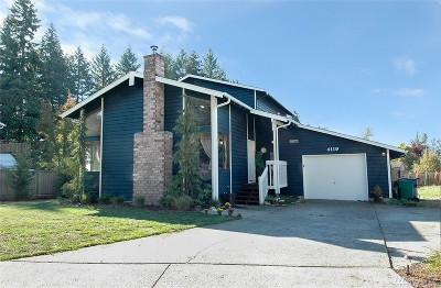 King County Single Family Home For Sale: 4119 SE 4th Place