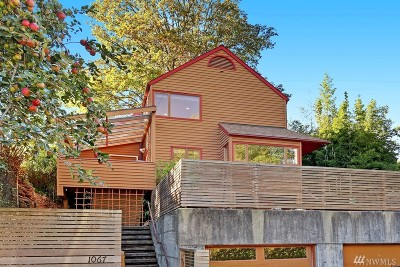 Seattle Single Family Home For Sale: 1067 26th Ave E