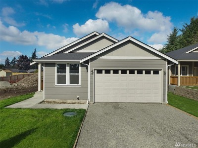 Spanaway Single Family Home For Sale: 243 171st St E