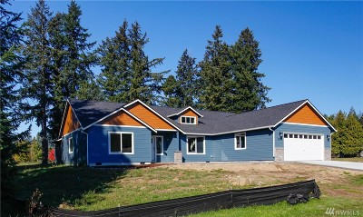 Yelm Single Family Home For Sale: 15741 Lawrence Place SE