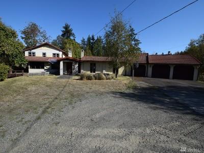 Bainbridge Island Single Family Home Pending Inspection: 1850 Virginia Ct NE