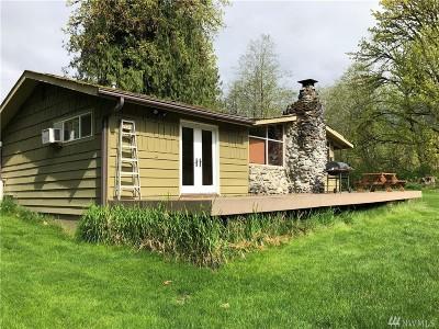 Arlington Single Family Home For Sale: 31113 E Whitehorse Dr