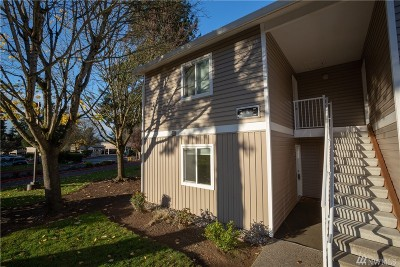 Kirkland Condo/Townhouse For Sale: 12510 NE 130th Wy #B-106