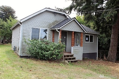 Seattle Single Family Home For Sale: 651 SW 120th St