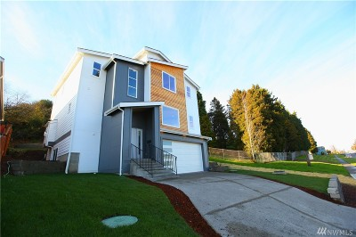Tacoma Single Family Home For Sale: 2102 S Ainsworth Ave