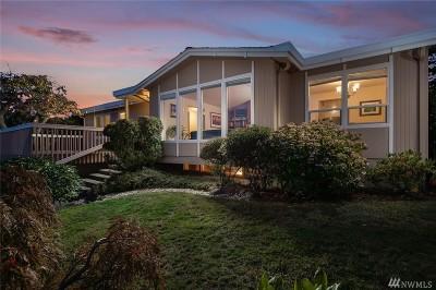 Bellevue Single Family Home For Sale: 13615 Somerset Lane SE