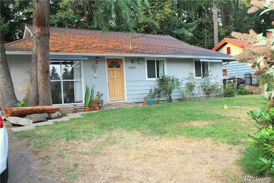 Single Family Home For Sale: 22007 Locust Place