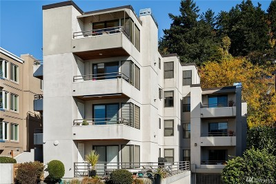 Seattle Condo/Townhouse For Sale: 4222 Beach Dr SW #303