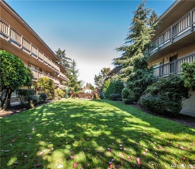 Snohomish County Condo/Townhouse For Sale: 747 75th St SE #C-104