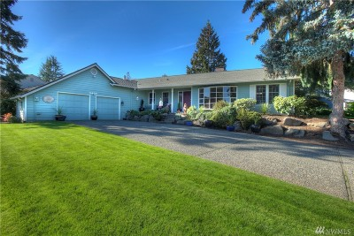 Issaquah Single Family Home For Sale: 4403 192nd Place SE