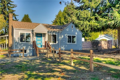 Burien Single Family Home For Sale: 704 SW 126th St