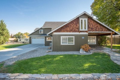 Chelan County Single Family Home For Sale: 309 N Elliott Ave