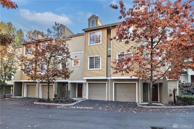 Renton Condo/Townhouse For Sale: 1800 NE 40th St #F5