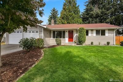 Kirkland Single Family Home For Sale: 10422 NE 142nd Place