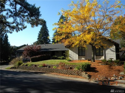 Redmond Single Family Home For Sale: 2625 183rd Ave NE
