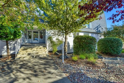 Anacortes Condo/Townhouse For Sale: 910 34th Street #103