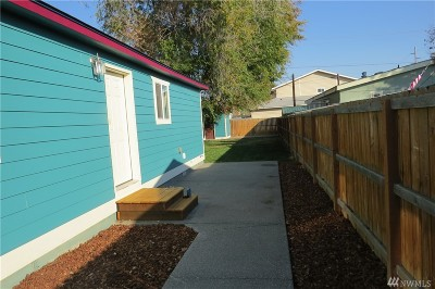 Single Family Home For Sale: 104 S Pierce St