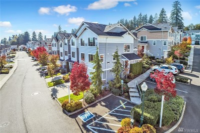 Lynnwood Condo/Townhouse For Sale: 15720 Manor Way #D5