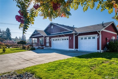 Single Family Home Contingent: 7303 Seashell Wy