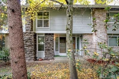 Bellevue Condo/Townhouse For Sale: 2440 140th Ave NE #41