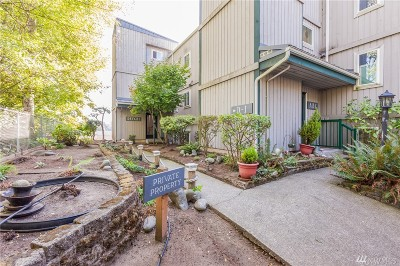 Burien Condo/Townhouse For Sale: 15910 3rd Place SW #D