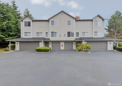 Renton Condo/Townhouse For Sale: 4808 NE Sunset Blvd #G102